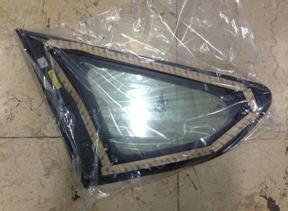 Hyundai-Santafe-ix45-Quarter-Glass-2