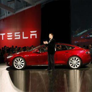شرکت تسلا به طراحی فناوری خودرو تمام اتوماتیک نزدیک است